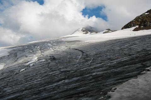 Foto: Thomas Paschinger / Wander Tour / Hintere Schwärze, Marzellspitzen, Similaun und Finailspitze / zurück zum Gipfel des Similauns / 13.09.2009 15:20:38