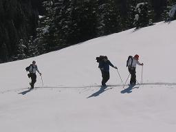 Foto: Snowfire / Ski Tour / Schönwipfel (1913m) / Auf den freien Hängen ober den Almhütten / 16.09.2009 12:30:57