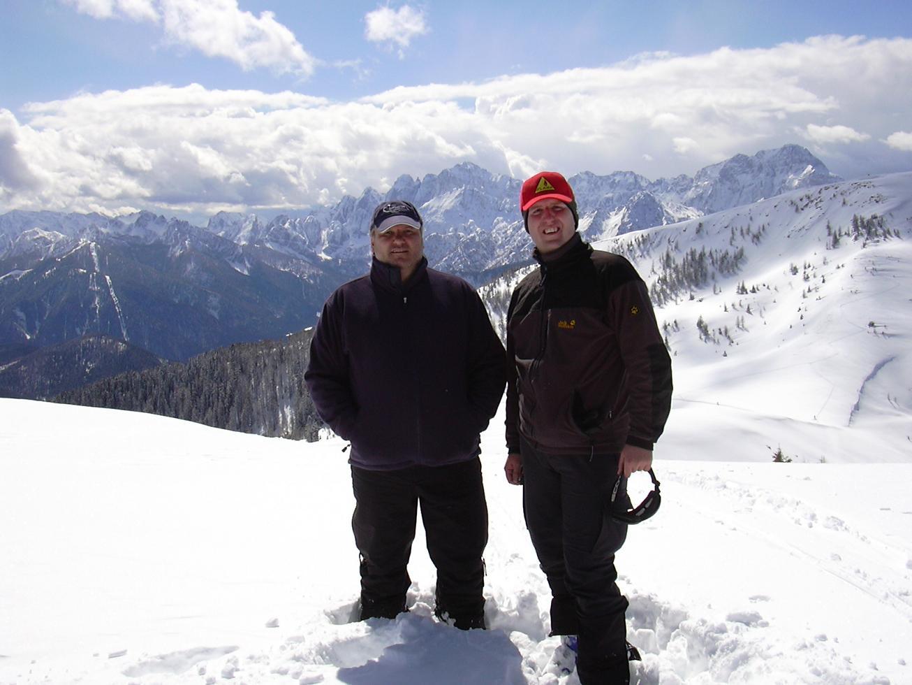 Foto: Snowfire / Ski Tour / Schönwipfel (1913m) / Am Gipfel!<br>Im Hintergrund sieht man die Julischen Alpen. / 16.09.2009 12:42:08