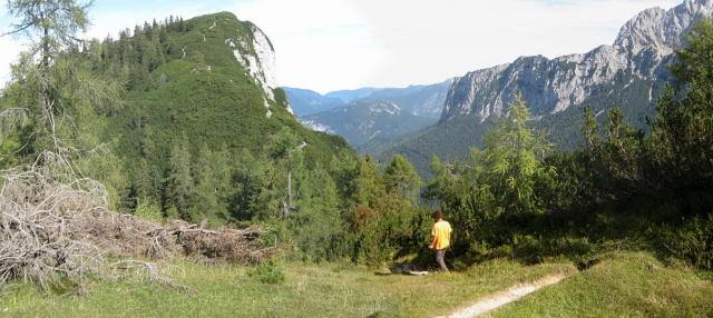 Foto: Wolfgang Lauschensky / Wander Tour / Großes Hundshorn 1705m / Gipfelaufbau am Südrücken / 15.09.2009 20:40:19