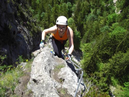 Foto: hofchri / Klettersteig Tour / Grünstein Klettersteig / diese Seite vom Felsspalt ist leichter (B/C) / 15.06.2010 20:36:21