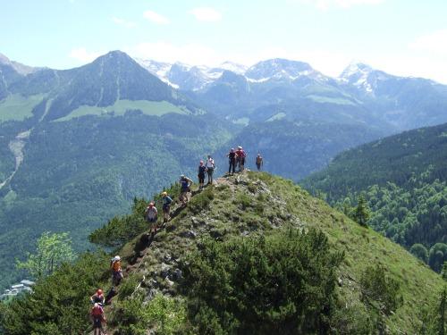 Foto: hofchri / Klettersteig Tour / Grünstein Klettersteig / Kolonnenverkehr nach dem Ausstieg / 15.06.2010 20:37:54