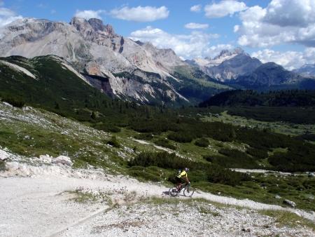 Foto: barbonis / Mountainbike Tour / Fanes / Discesa da Sennes / 16.09.2009 17:04:44