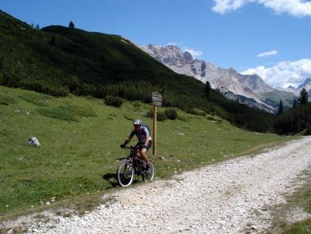 Foto: barbonis / Mountainbike Tour / Fanes / Salita per Sennes / 16.09.2009 17:06:47