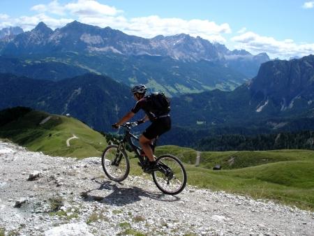 Foto: barbonis / Mountainbike Tour / Funes / Discesa da Passo Poma / 16.09.2009 17:23:10