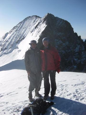 Foto: Wolfgang Lauschensky / Wander Tour / Dom de Neige des Ecrins 4015m / Blick vom Gipfel des Dom de Neige zu Pic Lory und Barre des Ecrins / 17.09.2009 21:33:33
