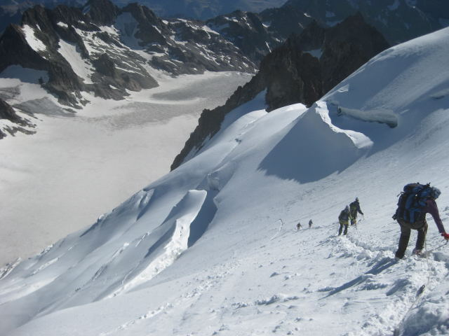 Foto: Wolfgang Lauschensky / Wander Tour / Dom de Neige des Ecrins 4015m / mittelsteiler Abstieg / 17.09.2009 21:33:23