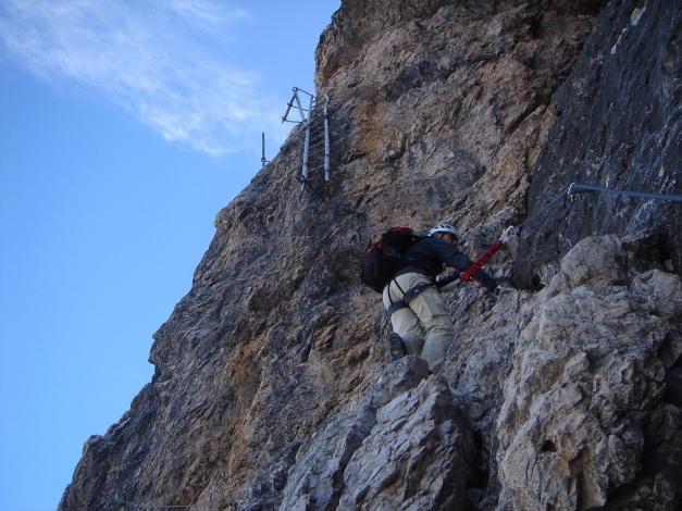 Foto: Manfred Karl / Klettersteig Tour / Tomaselli Klettersteig (Via ferrata Cesco Tomaselli) / Traurige Relikte / 17.09.2009 22:22:26