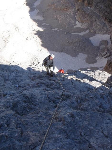 Foto: Manfred Karl / Klettersteig Tour / Tomaselli Klettersteig (Via ferrata Cesco Tomaselli) / Luftig geht es auch am Abstiegsklettersteig zu / 17.09.2009 22:14:42