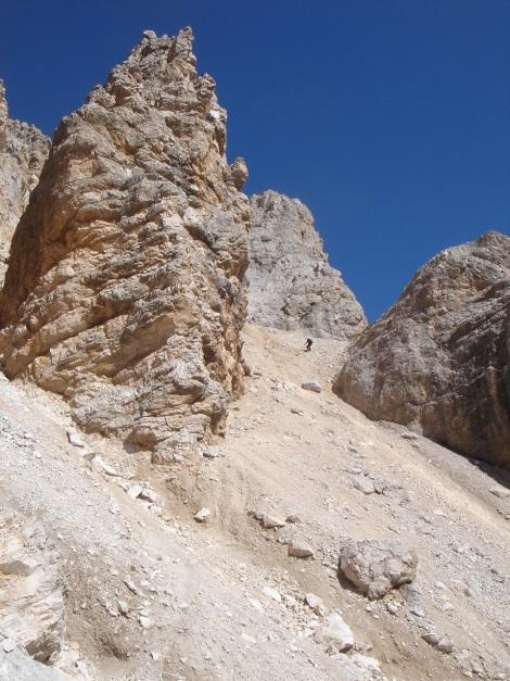 Foto: Manfred Karl / Klettersteig Tour / Tomaselli Klettersteig (Via ferrata Cesco Tomaselli) / Schuttrinne beim Abstieg / 17.09.2009 22:12:08