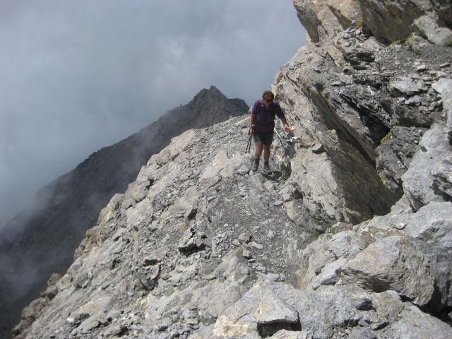 Foto: Wolfgang Lauschensky / Wander Tour / Rocciamelone 3538m / das kaum ausgesetzte Gipfelfinale ist hanfseilgesichert / 18.09.2009 18:50:20