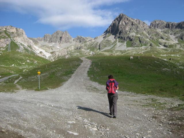 Foto: Wolfgang Lauschensky / Wander Tour / Piz Ot (3246m) / Alpinschigebiet Marguns, rechts führt der Pfad zur Fuorcla Valetta / 18.09.2009 23:36:02