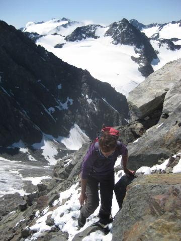 Foto: Wolfgang Lauschensky / Wander Tour / Schrankogel - Überschreitung / Bockkogelferner mit Mutterberger Seespitze, dahinter Sulzenauferner und Zuckerhütl / 19.09.2009 13:51:28