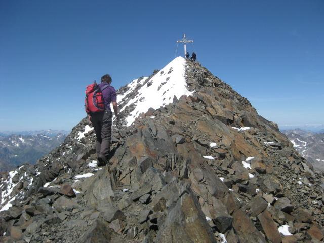 Foto: Wolfgang Lauschensky / Wander Tour / Schrankogel - Überschreitung / an der flachen Gipfelschneide / 19.09.2009 13:48:54