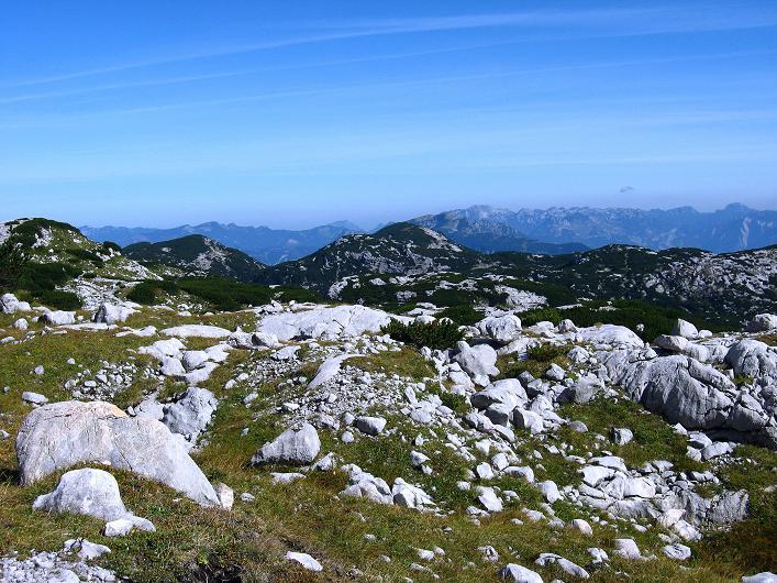 Foto: Andreas Koller / Klettersteig Tour / Monisteig am Schöberl (2426m) / Blick nach N zu den Salzkammergut Bergen / 26.09.2009 00:04:26