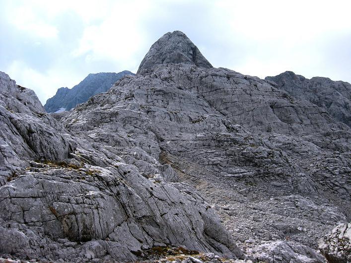 Foto: Andreas Koller / Klettersteig Tour / Monisteig am Schöberl (2426m) / Über die Kartfläche geht's zum Schöberl Nordkamin / 25.09.2009 23:59:54