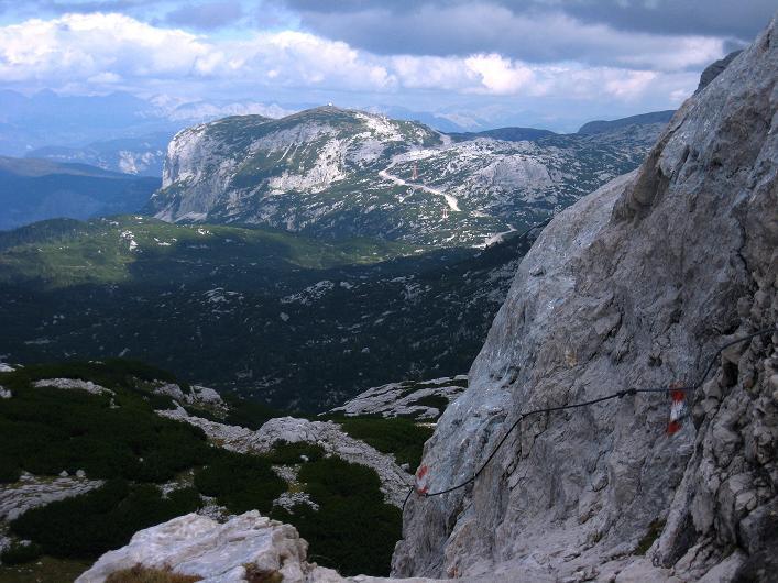 Foto: Andreas Koller / Klettersteig Tour / Monisteig am Schöberl (2426m) / Blick zum Krippenstein / 25.09.2009 23:52:43
