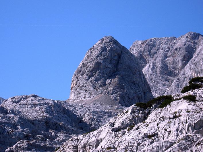 Foto: Andreas Koller / Klettersteig Tour / Via Steinbock am Schöberl (2426m) / Markantes Schöberl in der Bildmitte / 26.09.2009 00:24:55