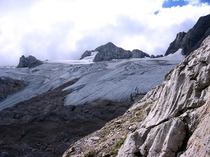 Foto: Andreas Koller / Klettersteig Tour / Via Steinbock am Schöberl (2426m) / Blick vom Einsteig zum Hallstätter Gletscher und Dachstein (2996 m) / 26.09.2009 00:19:37