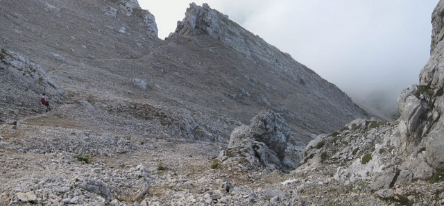 Foto: Wolfgang Lauschensky / Wander Tour / Grießner Hochbrett 2470m / Schuttsteig unterhalb des Grießner Rotschartls / 23.09.2009 21:20:01