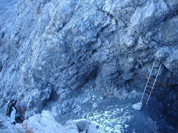 Foto: Manfred Karl / Wander Tour / Ortler über den Meranerweg / Kurzer Abstieg zur Leiter / 24.09.2009 20:52:48
