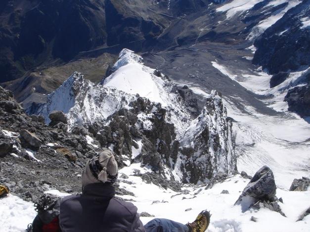 Foto: Manfred Karl / Wander Tour / Ortler über den Meranerweg / Tiefblick über den Hintergrat / 24.09.2009 20:49:06