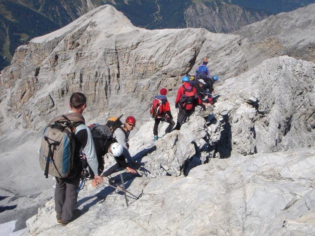 Foto: Manfred Karl / Wander Tour / Ortler über den Meranerweg / Stau am Normalweg beim Abstieg / 24.09.2009 20:41:40