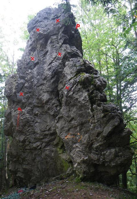 Foto: W.H. / Kletter Tour / NADEL / NADEL: Nordwand mit Westkante - Haken eingezeichnet / 25.09.2009 09:23:09