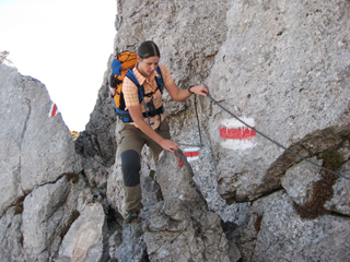 Foto: AbsolutAlpin.at / Wander Tour / Schneeberg - Rax - Überschreitung in 2 Tagen / Oberer Herminensteig - kurzes, versichertes Stück (A/B) / 29.09.2009 11:39:37
