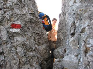Foto: AbsolutAlpin.at / Wander Tour / Schneeberg - Rax - Überschreitung in 2 Tagen / Oberer Herminensteig - Engstelle / 29.09.2009 11:45:54