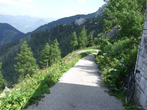 Foto: hofchri / Wander Tour / Hoher Göll (2522 m) - Runde Mannlsteig (B/C) und Schustersteig (A/B) / Variante mit MTB bis zum Wendeplatz Kehlsteinhaus / 01.10.2009 20:39:06