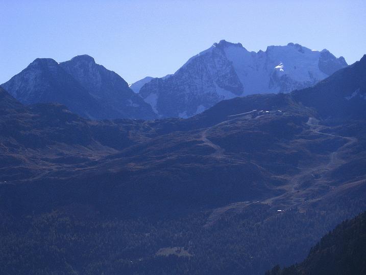 Foto: Andreas Koller / Wander Tour / Hoch über St. Moritz auf den Piz Julier (3380 m) / Piz Bernina (4049 m) / 07.10.2009 20:39:47
