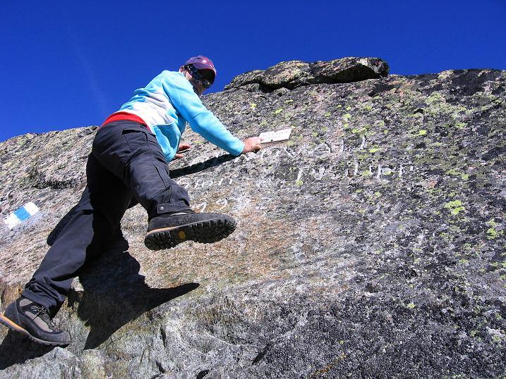 Foto: Andreas Koller / Wander Tour / Hoch über St. Moritz auf den Piz Julier (3380 m) / In der Fuorcla Albana / 07.10.2009 20:33:15