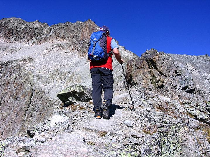 Foto: Andreas Koller / Wander Tour / Hoch über St. Moritz auf den Piz Julier (3380 m) / Von der Fuorcla Albana am SO-Grat / 07.10.2009 20:30:35
