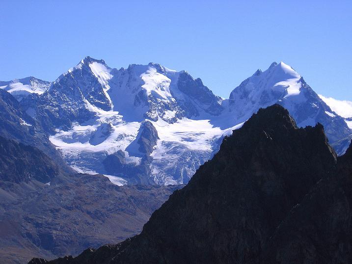 Foto: Andreas Koller / Wander Tour / Hoch über St. Moritz auf den Piz Julier (3380 m) / Piz Bernina (4049 m) und Piz Roseg (3937 m) / 07.10.2009 20:27:17