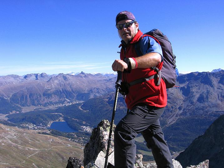 Foto: Andreas Koller / Wander Tour / Hoch über St. Moritz auf den Piz Julier (3380 m) / Exponiert am Grat / 07.10.2009 20:26:21