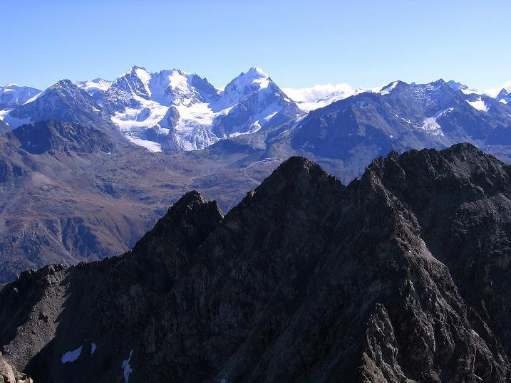 Foto: Andreas Koller / Wander Tour / Hoch über St. Moritz auf den Piz Julier (3380 m) / Berninagruppe (4049 m) / 07.10.2009 20:24:04