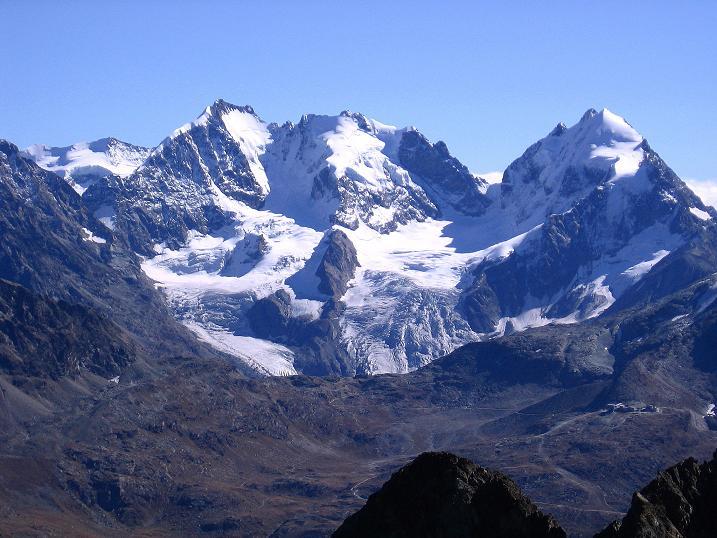 Foto: Andreas Koller / Wander Tour / Hoch über St. Moritz auf den Piz Julier (3380 m) / Piz Bernina (4049 m) und Piz Roseg (3937 m) / 07.10.2009 20:23:21