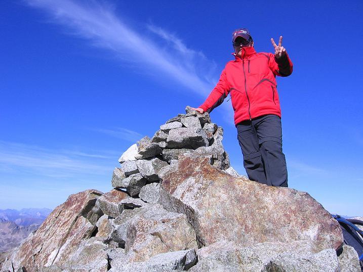 Foto: Andreas Koller / Wander Tour / Hoch über St. Moritz auf den Piz Julier (3380 m) / Am Gipfel des Piz Güglia / 07.10.2009 20:17:59