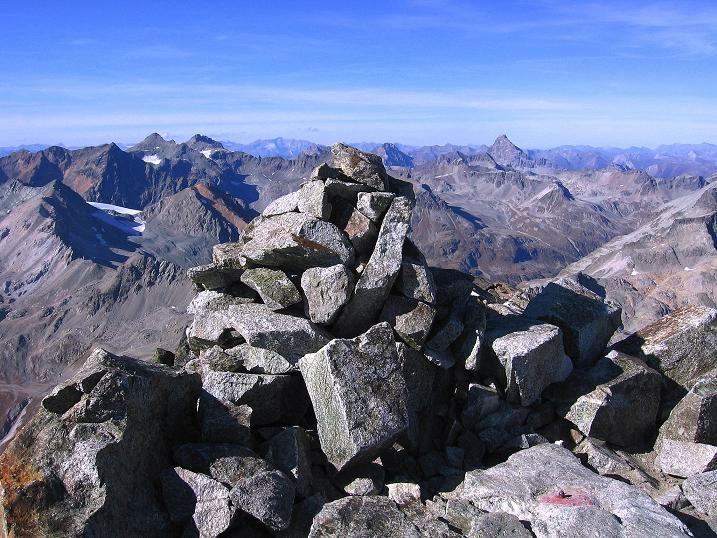 Foto: Andreas Koller / Wander Tour / Hoch über St. Moritz auf den Piz Julier (3380 m) / 07.10.2009 20:15:44
