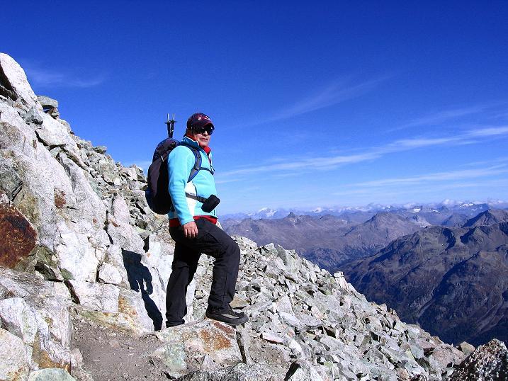 Foto: Andreas Koller / Wander Tour / Hoch über St. Moritz auf den Piz Julier (3380 m) / Abstieg vom Piz Julier / 07.10.2009 20:15:28