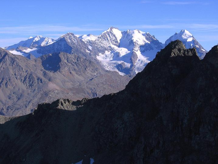 Foto: Andreas Koller / Wander Tour / Hoch über St. Moritz auf den Piz Julier (3380 m) / Die Bernina-Gruppe (4049 m) / 07.10.2009 20:13:36
