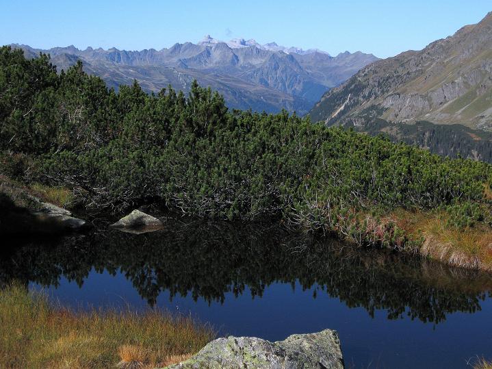 Foto: Andreas Koller / Klettersteig Tour / Klettersteig Silvapark (2671 m) / Blick nach W zur Drusenfluh (2833 m) / 10.10.2009 14:42:38