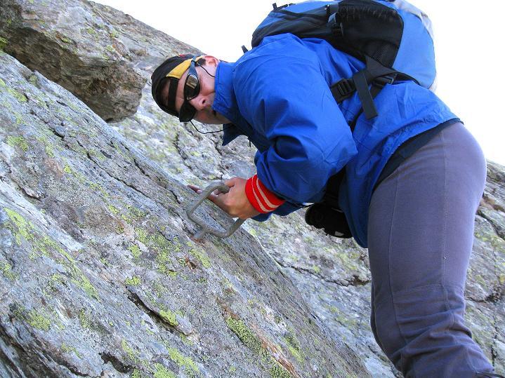 Foto: Andreas Koller / Klettersteig Tour / Klettersteig Silvapark (2671 m) / Kurze Klettereinlage im Abstieg / 10.10.2009 14:25:43