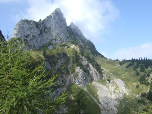 Foto: hofchri / Wandertour / Schafberg (1782 m) - Runde Purtscheller (B) - und Himmelspfortensteig (A) / der Törlspitz wird umrundet / 10.10.2009 20:16:51