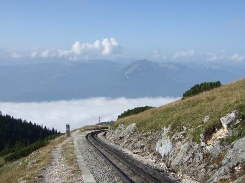 Foto: hofchri / Wandertour / Schafberg (1782 m) - Runde Purtscheller (B) - und Himmelspfortensteig (A) / Aufstieg kurz entlang der Bahntrasse / 10.10.2009 20:12:58