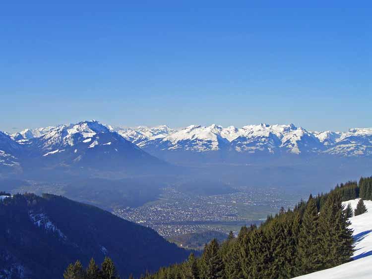 Foto: vince 51 / Schneeschuh Tour / Hohe Kugel / Blick auf Feldkirch / 12.10.2009 23:18:43