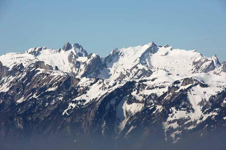 Foto: vince 51 / Schneeschuh Tour / Hohe Kugel / Zoom auf den Alpstein (Säntis) / 12.10.2009 23:11:01