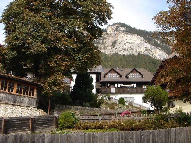Foto: Manfred Karl / Klettersteig Tour / Klettersteig Burgstall / Abstieg durch den malerischen Ort Pürgg / 13.10.2009 21:46:09