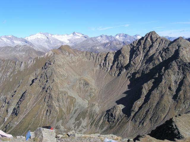 Foto: pepi4813 / Wander Tour / Von Terenten auf die Eidechsspitze / Blick von der Eidechsspitze in die Zillertaler Alpen / 14.10.2009 20:52:36